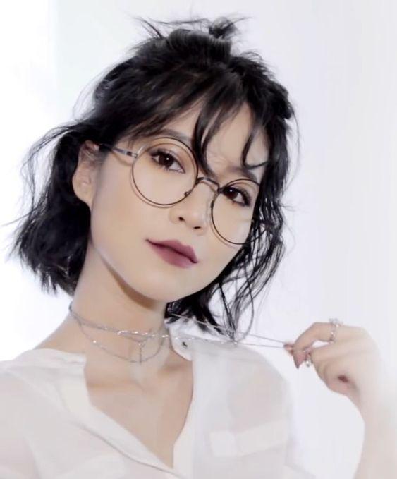 Korean short bangs